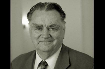Apel o hołd dla byłego Premiera Jana Olszewskiego.