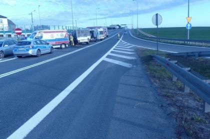Poprawa pogody nie zawsze służy kierowcom. Groźny wypadek na drodze krajowej nr 11 pod Lubeckiem